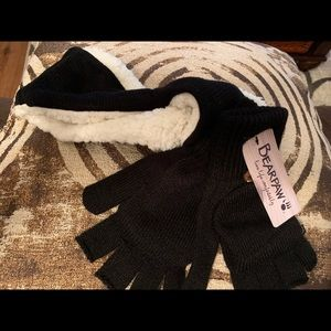 Gloves and ear warmer set